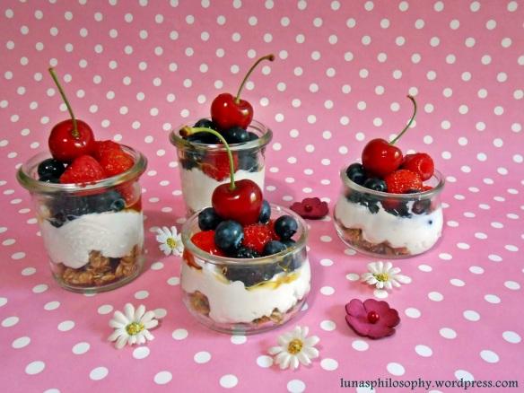 Ziegenkäsecreme mit Früchten